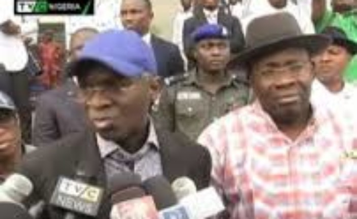 Gov. Dickson hosts Fashola, seeks FG, State partnership on infrastructural devt  …says 3 senatorial roads are key to industrialisation, economic growth