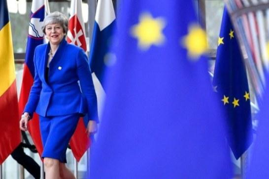 Britain gets flexible Brexit till October