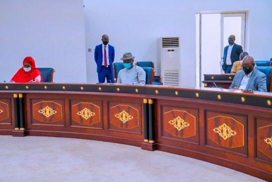 Buhari Commiserates with victims of Ogbogonogo market fire